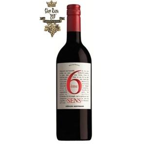 Rượu Vang Đỏ Gerard Bertrand 6eme Sens Pays dOC IGP Red có mầu đỏ đậm đẹp mắt. Hương thơm của trái cây chín đỏ,