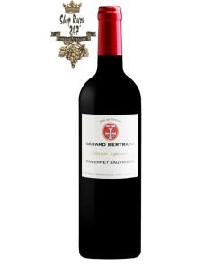 Vang Đỏ Gerard Bertrand Reserve Speciale Pays Cabernet Sauvignon có mầu đỏ đậm đẹp mắt. Hương thơm mãnh liệt của trái cây