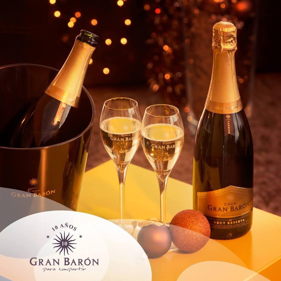 Rượu Vang Tây Ban Nha Gran Baron Cava Brut Reserva Có mầu vàng ánh xanh dịu nhẹ. Hương vị của trái cây
