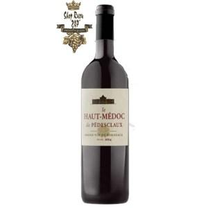 Rượu Vang Đỏ Le Haut Medoc de Pedesclaux Château Pedesclaux có mầu hồng ngọc đẹp mắt. Hương thơm lan tỏa của các loại trái cây