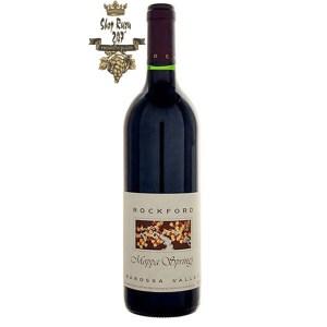 Rượu Vang Đỏ Úc Rockford Moppa Springs có mầu đỏ ruby hấp dẫn. Hương thơm tinh tế của các ghi chú anh đào, hoa hồng