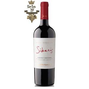 Rượu Vang Đỏ Undurraga Sibaris Cabernet Sauvignon này được làm từ 100% giống nho Cabernet Sauvignon được trồng tại vườn nho Santa Ana Estate