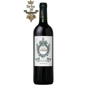 Rượu Vang Đỏ Pháp Chateau Ferriere Margaux 2010 có mầu đỏ granet. Hương thơm của trái cây miền nhiệt đới như cam, quýt, anh đào