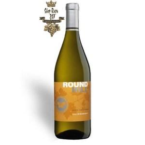 Rượu Vang Mỹ Round Hill California Chardonnay có mầu vàng rơm đẹp mắt. Hương thơm của cafe sữa thơm nồng cùng hương vị