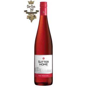 Rượu Vang Mỹ Sutter Home Red Moscato có mầu đỏ đẹp mắt. Bùng nổ với hương vị của dâu tây thơm ngon, ngọt ngào