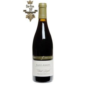 Rượu Vang Đỏ Saint-Joseph 'Saint-Joseph' Ferraton Père & Fils có mầu ruby sáng đậm. Hương thơm tinh khiết của hoa quả mọng đen chín