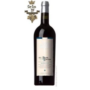 Rượu Vang Tây Ban Nha Đỏ El Albar Lurton Barricas có mầu đỏ anh đào đẹp mắt. Hương thơm lan tỏa của trái cây chín mọng, vani