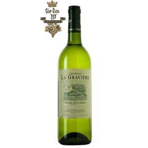 Rượu vang Pháp Château La Graviere Entre Deux Mers với Sự ngọt ngào của hoa quả tươi: nho, lê, táo, họ nhà cam,… sẽ làm cho bạn mê đắm
