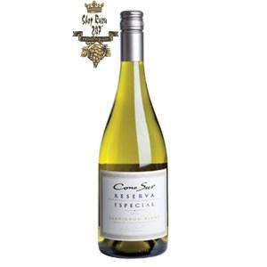 Rượu Vang Trắng Cono Sur Reserva Especial Sauvignon Blanc có mầu vàng nhạt. Hương thơm hiển thị các ghi chú tốt của quả bưởi