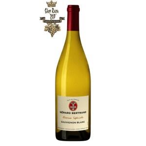 Vang trắng Gerard Bertrand Reserve Speciale Pays d'Oc IGP Sauvignon Blanc White sở hữu được màu trắng đầy lịch lãm, tinh tế có thể cuốn hút