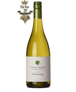Rượu vang trắng Úc Vasse Felix Chardonnay có hương vị đậm đà với sự lên men những trái nho Chardonnay chín và quả mọng