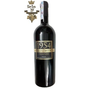 Rượu Vang Ý Đỏ 1954 Appassimento có mầu đỏ ruby ánh tím. Hương thơm quyến rũ phức tạp của hoa rừng, café, vani, bánh mì cháy, nho đen