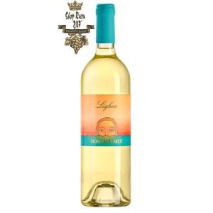 Rượu vang Ý trắng Donnafugata Lighea 2019 với màu màu vang rơm ánh xanh đẹp mắt, rượu trở nên đặc trưng hơn