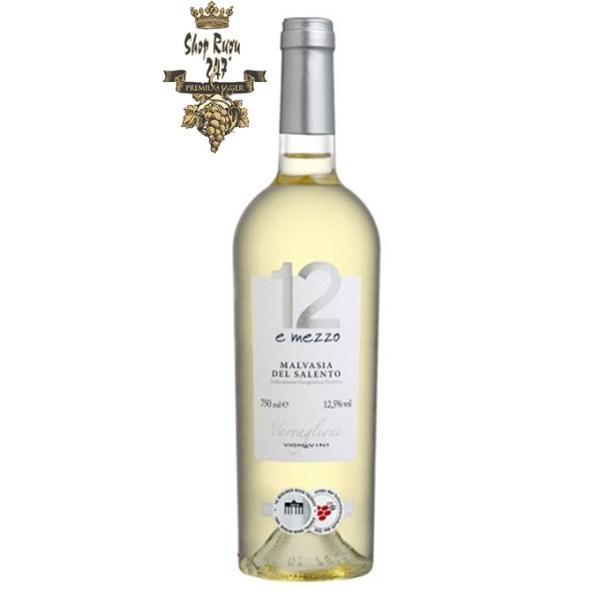 12 E Mezzo Malvasia giàu hương thơm và hương vani sôi động, nó có gợi ý của trái cây nhiệt đới kết hợp với mật ong và hương vani.