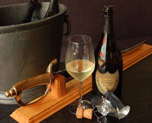 , tất cả các loại rượu vang nằm ở phía có tính axit của phổ pH, và hầu hết nằm trong khoảng từ 2,5 đến khoảng 4,5 pH (7 là trung tính)