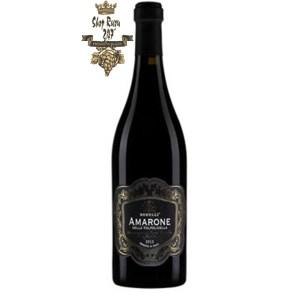 Vang Ý Đỏ Amarone Dela Vanpolicila Borelli có màu đỏ đậm đặc trưng của Amarone. Chai vang này được coi như biểu tượng