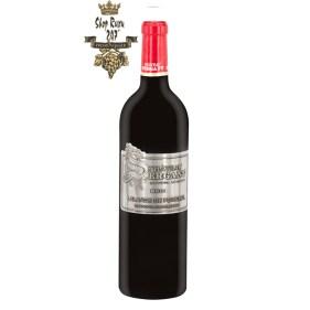 Rượu Vang Pháp Đỏ Chateau Sergant có màu đỏ đậm ánh tím vô cùng bắt mắt. Thưởng thức một ngụm đầu tiên
