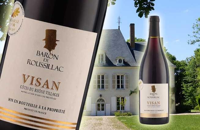 Rượu Vang Pháp BARON DE ROUSSILLAC(VISAN) có màu đỏ đậm ánh tím mãnh liệt gợi lên hương thơm của các loại trái cây