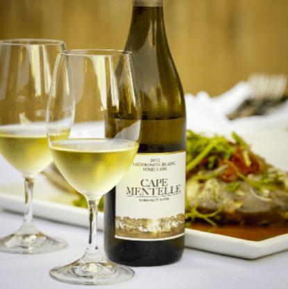 Hiểu được sự phức tạp của các loại rượu vang trắng khác nhau bắt đầu bằng việc xác định hương vị chính
