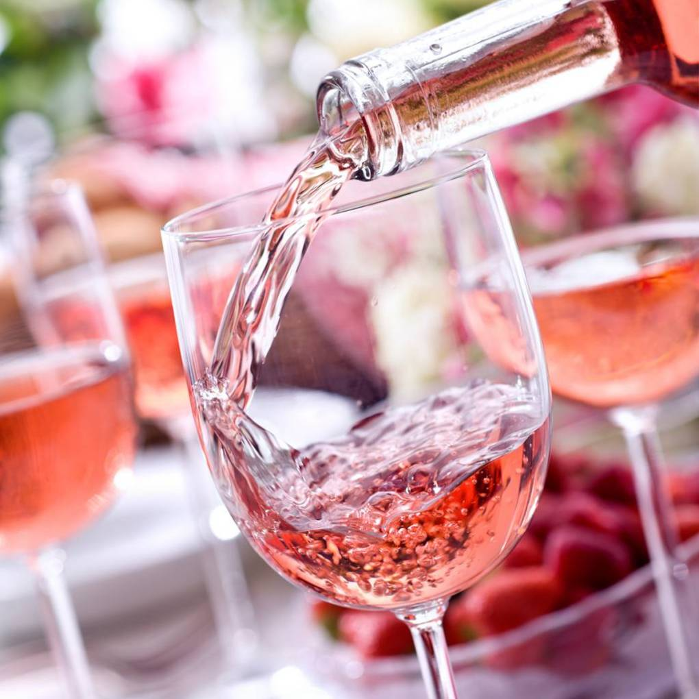 Rượu vang hồng và Vang ngọt Moscato có giống nhau không?