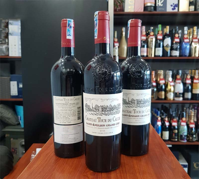 Rượu Vang Pháp Château Tour du Cauze Grand Cru được kết hợp từ ba giống nho chính là Cabernet Sauvignon, Cabernet Franc, Merlot