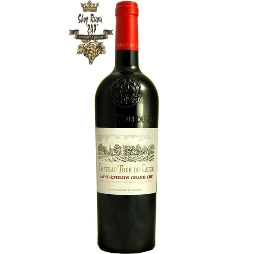 Rượu Vang Pháp Château Tour du Cauze Grand Cru có màu hồng ngọc với sắc thái ngọc hồng lựu đậm hơn phát triển sau một vài năm ủ rượu