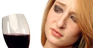 Bạn thường không thấy rượu vang có ghi hạn sử dụng ở trên chai. Vậy hạn sử dụng của rượu vang là bao lâu