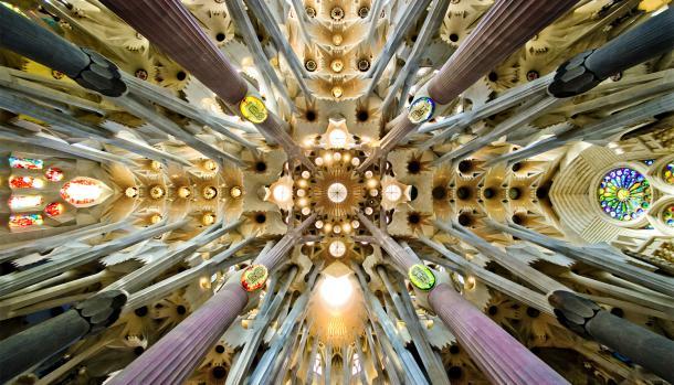 Храм Саграда Фамилиа - самый известный долгострой