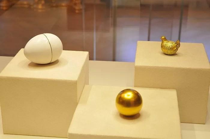 Курочка, яйцо Карла Фаберже, 1885