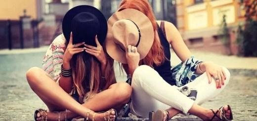 подруги красавица и обычная девушка