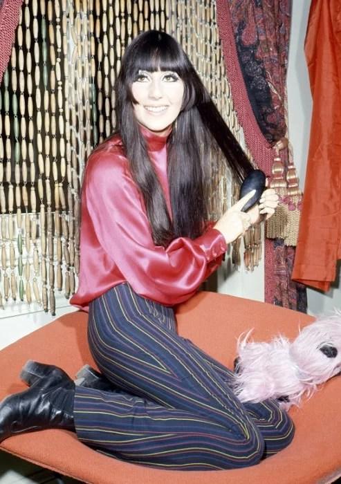 Певица Шер в эпоху хиппи. 1968 год