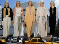 Fell in love from the first 35 seconds. SS14 NYFW.