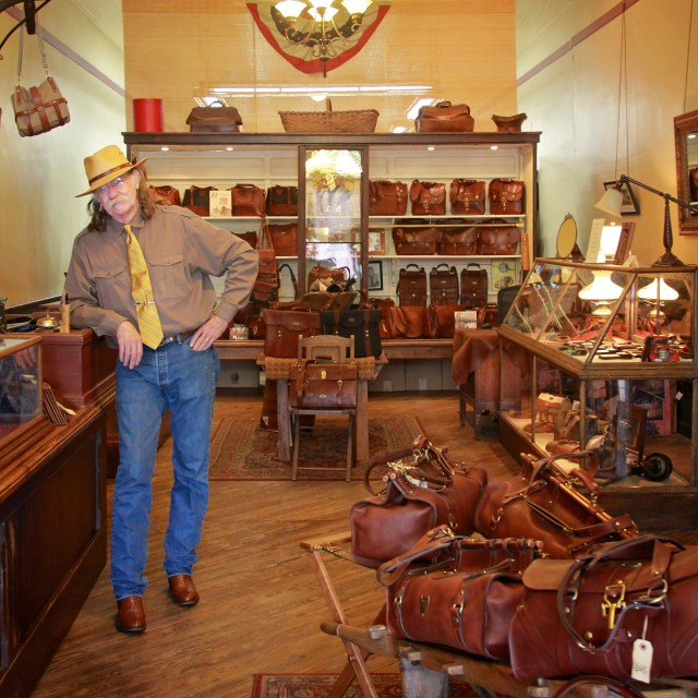 ColLittleton_ClassicStore_ShoppingSpree