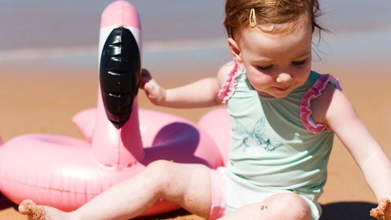blebadebukser badetøj til baby badebukser til baby blebukser badetøj babyer sommerferie med små børn ferieforberedelse børnefamilie splash about happy