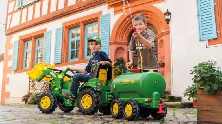 john deere legetraktor john deere pedaltraktor john deere traktor gave til 2 årig grøn traktor gave til 3 årig john deere legetøjsanhænger traktor med frontskovl