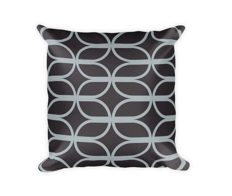 Karen Jai Pillow Lyndsay 2021-04-13_8-55-02