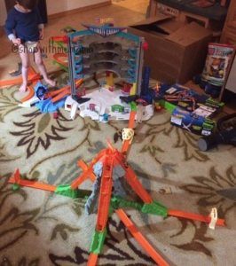 Inspiring Imaginative Play With Hot Wheels Toys! #SparkingAwesome