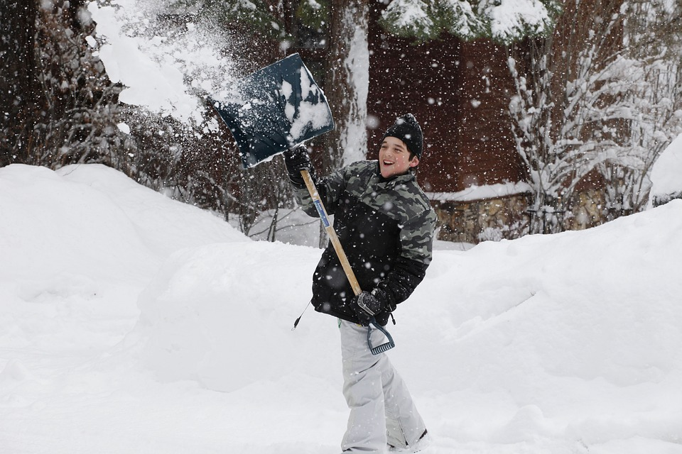 Tips for Keeping Your Driveway Safe and Clear This Winter