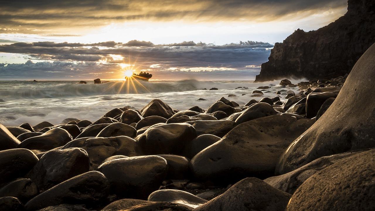 Quelle orme sulla spiaggia. Intervista ad Angelo Muraglia