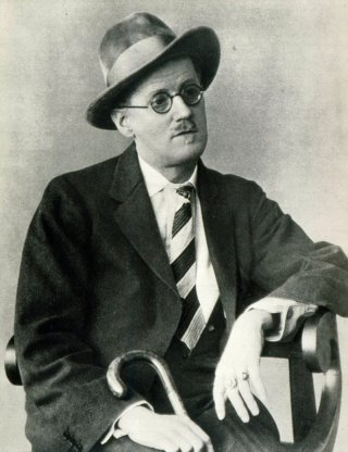 James Joyce in una fotografia scattata il 13 January 1941