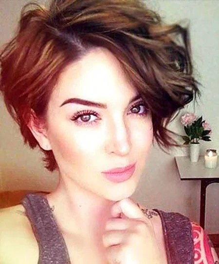 20 Stylish Short Hairstyles For Wavy Hair Crazyforus