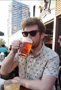 Drinking a kunstmann torobayo