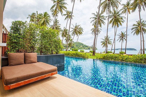 phuket-panwa-beachfront-resort-7