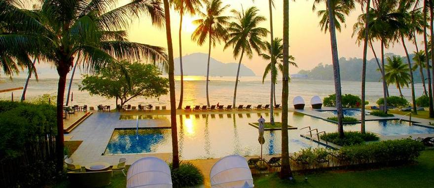 phuket-panwa-beachfront-resort1
