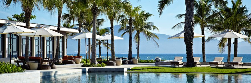 Hyatt-Regency-Danang-Main-Pool