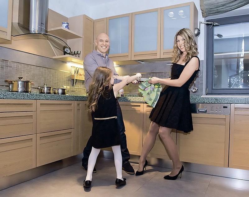 Денис майданов семья. Денис Майданов: биография, личная жизнь, семья, жена, дети — фото