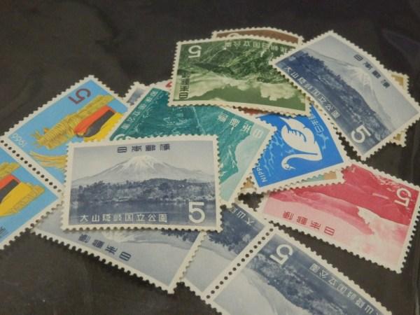 切手を売るなら、福津市の買取専門店笑福福間店へ!
