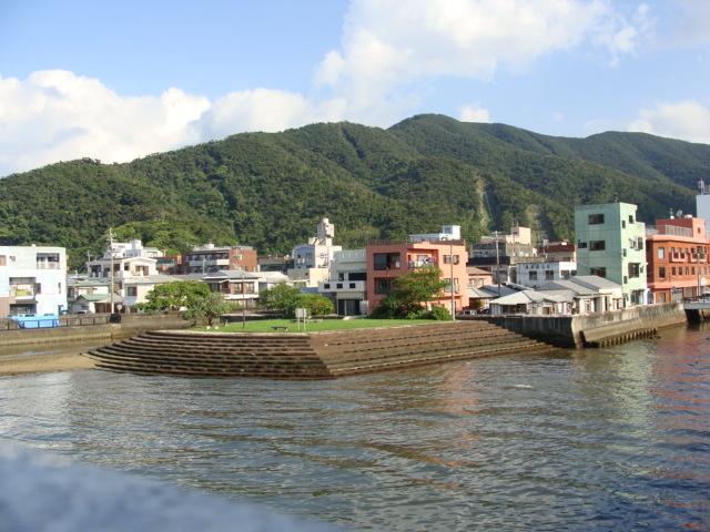 奄美大島南部・古仁屋の町並み