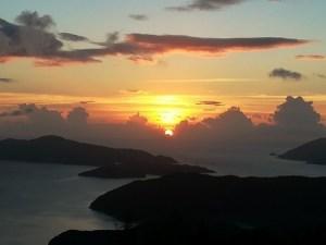奄美大島・油井岳展望所からの夕日