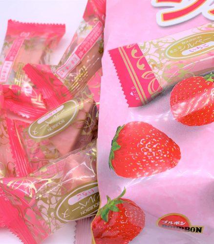 ミニシルベーヌ いちご 2019 ブルボン bourbon-mini-sylveine-chocolate-cake-strawberry-limited-edition2019